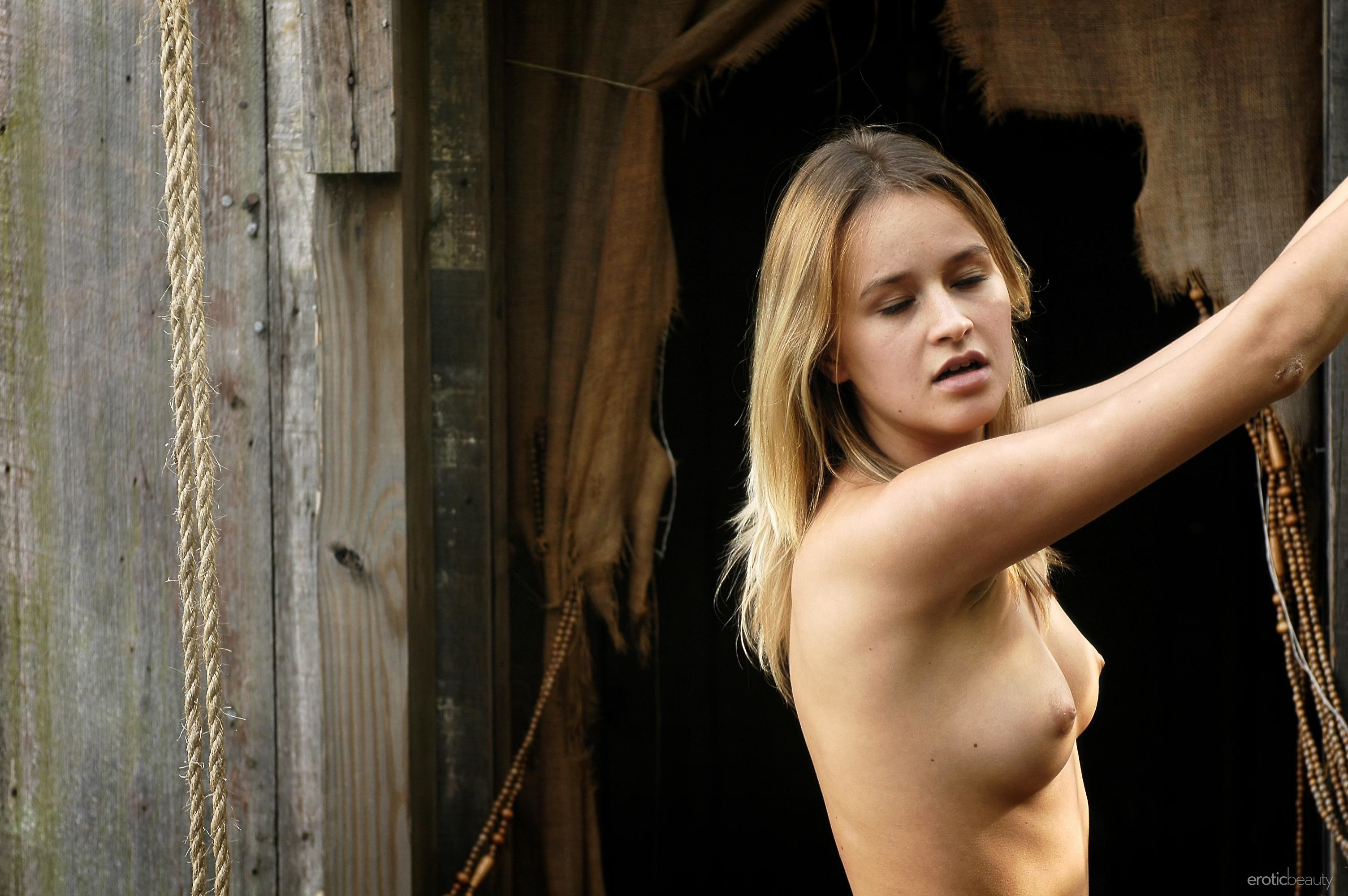 Julie hagerty naked